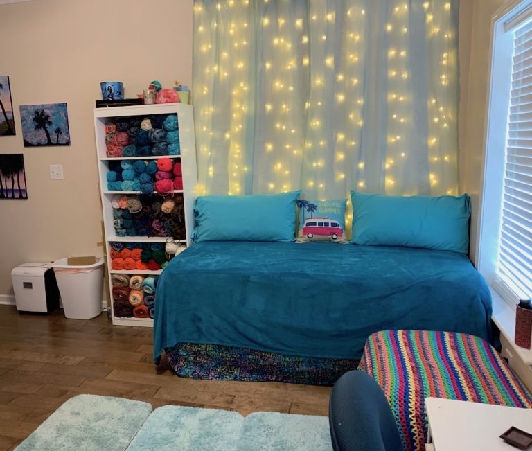 Art, Writing, Daybed, Yarn, Creative, Art Room, Afghan, Lighted Curtain, Crochet, Painting, Jewelry